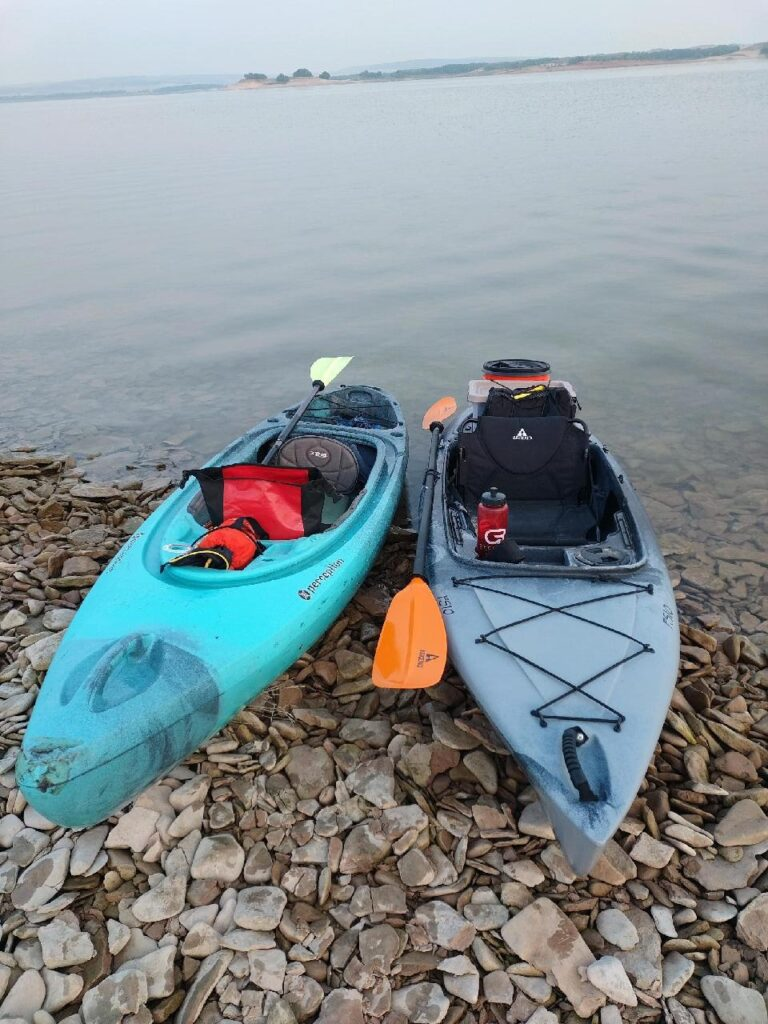Our boats all loaded up for kayaking Glendo Reservoir.  Justin has the Perception and I'm paddling the Ascent fs10